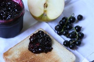 94. Schwarze Johannisbeer/ Apfel Marmelade