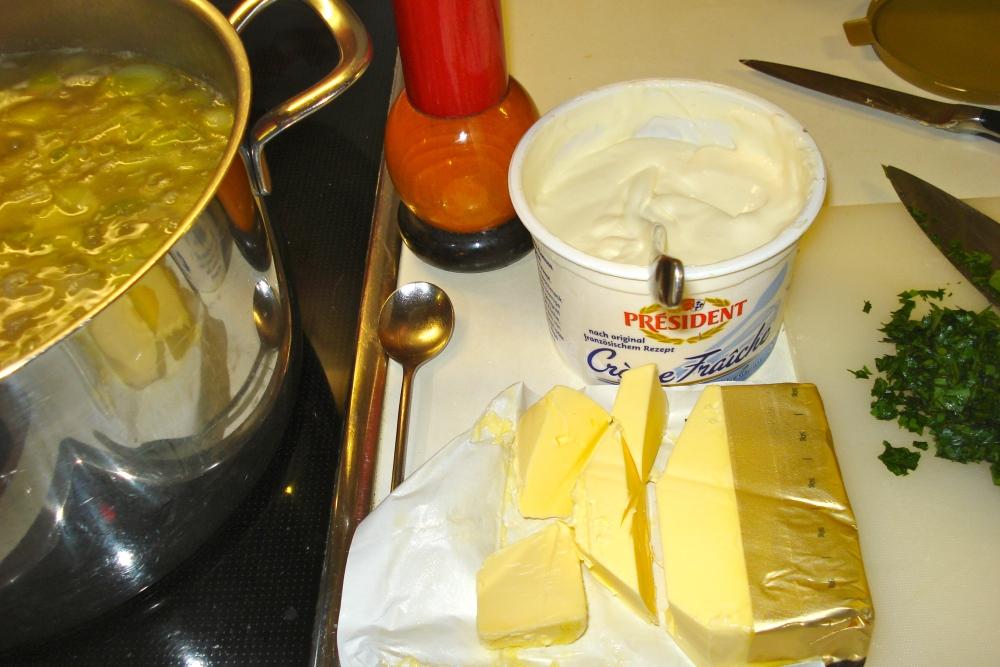 KARTOFFEL /  LAUCH Suppe (3/4)