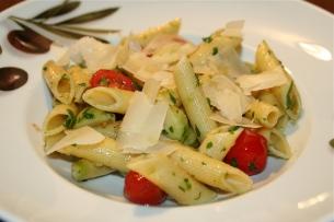 58. Nudeln mit Rosenkohl,Kirschtomaten, Parmesan
