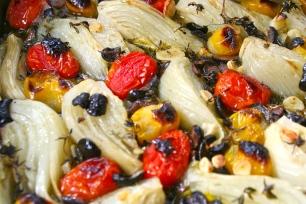 87. gebackener Fenchel mit Tomaten und Oliven