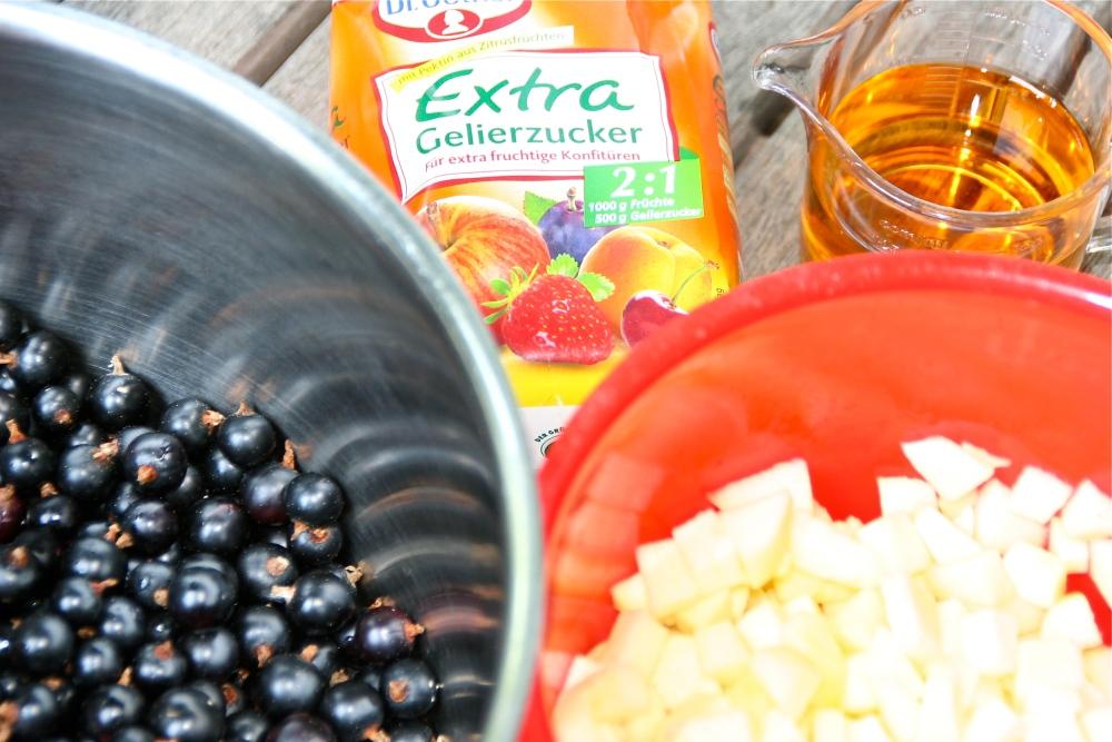 Schwarze Johannisbeer / Apfel Marmelade (1/4)