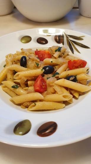 167.Pasta mit gebratenem Fenchel,Tomaten und schwarzen Oliven